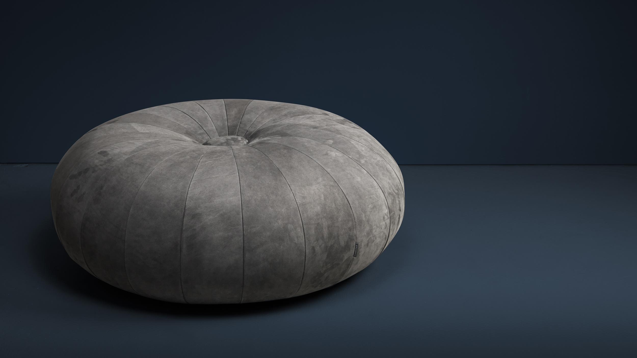 Torus footstool